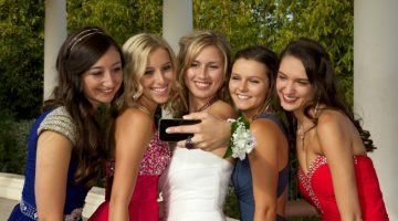 How much do parents spend on prom?