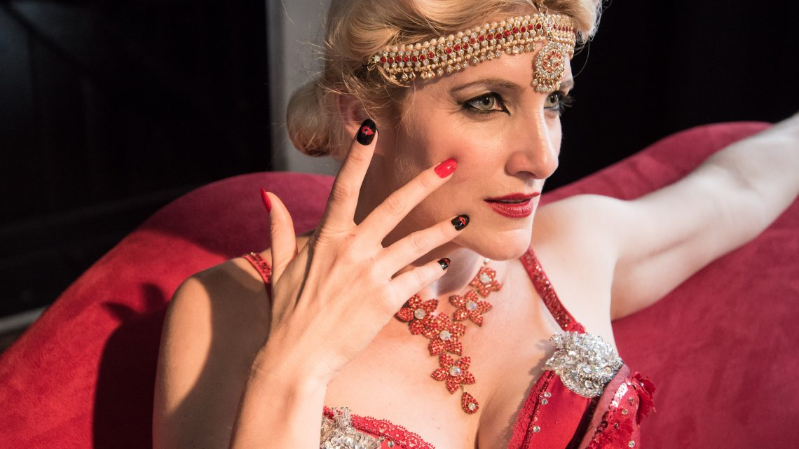 6 reasons to try burlesque